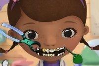 Doktor beim Zahnarzt